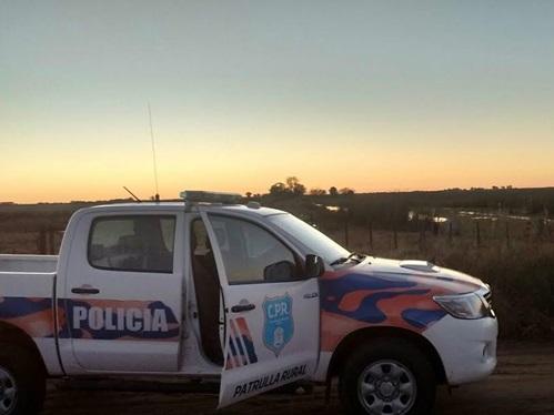 Un llamado al 911 permitió al CPR atrapar a cuatro delincuentes que cometían un robo en un campo