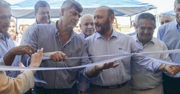 Buryaile junto al Gobernador Insafran y el presidente del INTA Amadeo Nicora