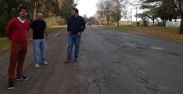 Barroso junto a Canoves y Barbieri en el acceso a El Provincial