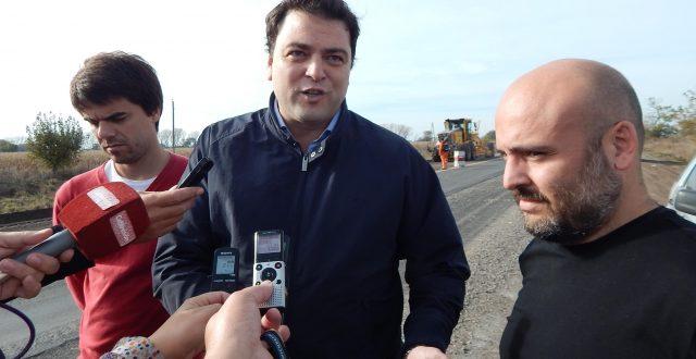 Canoves, Barroso y Barbieri en ruta 65 durante el dialogo con la prensa