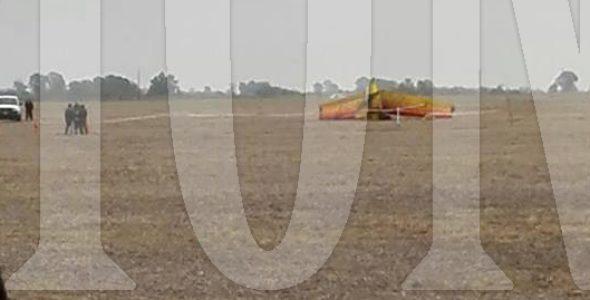 Aeronave que se precipito esta tarde en un campo del distrito de Pehuajo- foto lector el regional digital