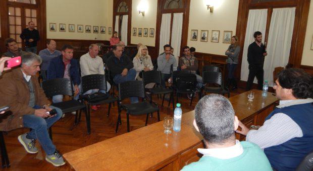 El Ministro Sarquis presidio la reunion con productores rurales de 9 de Julio