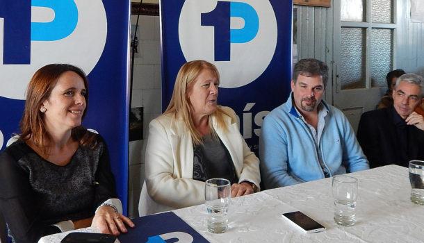 Lopez, Stolbizer, Malis y Meoni durante la conferencia de prensa en Patricios