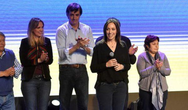 Maria Eugenia Vidal secundada por los candidatos de Buenos Aires