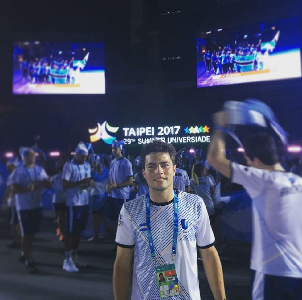 El golfista Miguel Sancholuz (h), integra el equipo argentino de la  29° Universiada en Taipei  2017