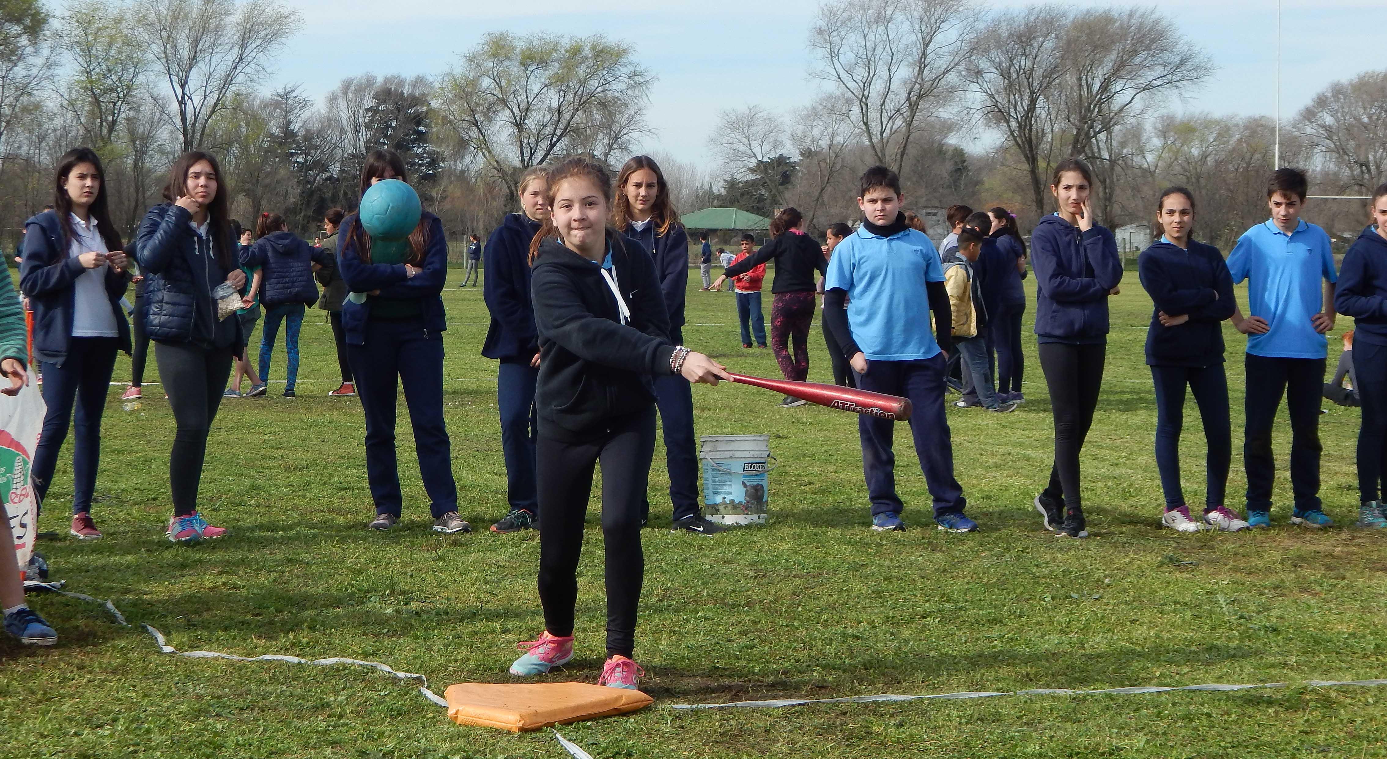 Comenzó la  4ta. edición Distrital de Softbol en Colegio Los Ceibos