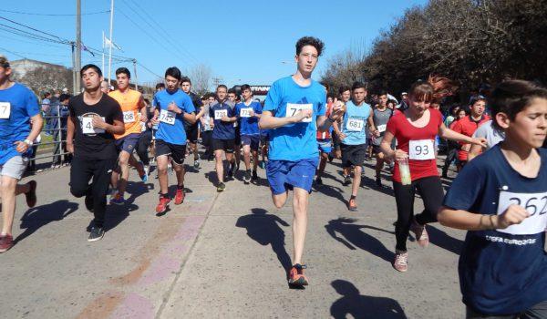 820 alumnos fueron parte de la Maraton