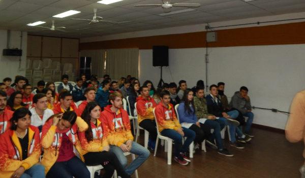 Alumnos que asistieron a la charla