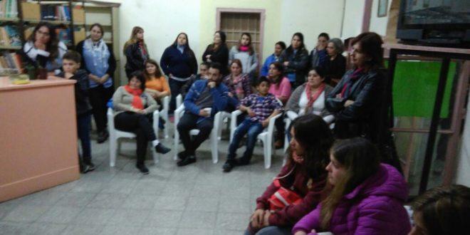 Asistentes al taller de la escritora Julieta Sanchez