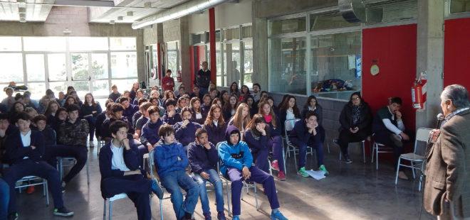 Disertacion de Reyes en Colegio Los Ceibos