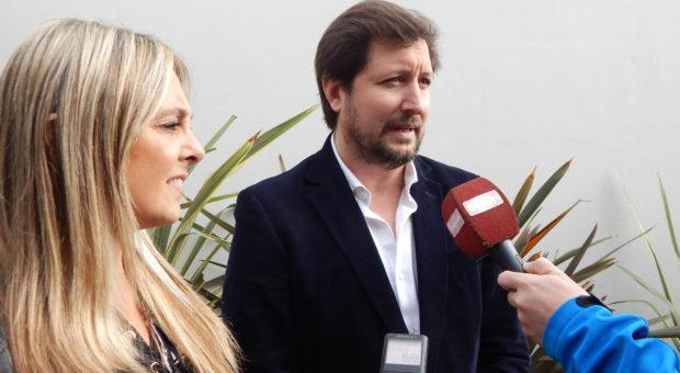 Dres Carpani y Perez en dialogo con medios de prensa