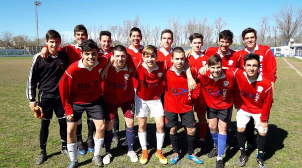 Equipo de futbol del Colegio San Agustin que obtuvo su paso a Mar del Plata