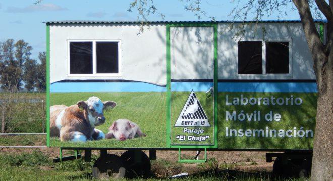 Laboratorio de inseminacion del Colegio que tambien esta al servicio de los productores del CEPT
