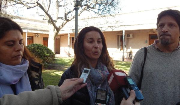 Marcia Molinari junto a Eliana Moro y Marcos Galvani durante el anuncio