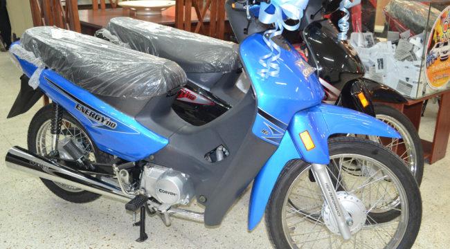 Una de estas motos puede ser tuya, con el solo hecho de acercarte a completar un cupon en La Fama Hogar