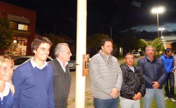 Barroso y Malondro junto a funcionarios