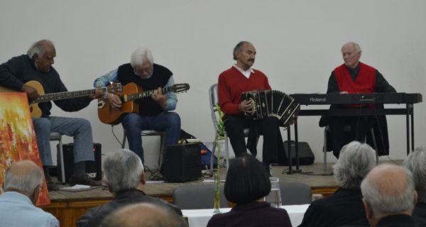 Cuarteto Callejon acompaño la presentación con su musica