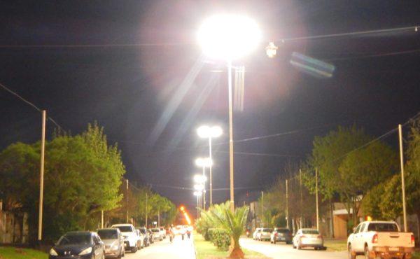 Las nuevas luminarias están sobre Av. Pironio entre Gutiérrez y Juan XIII