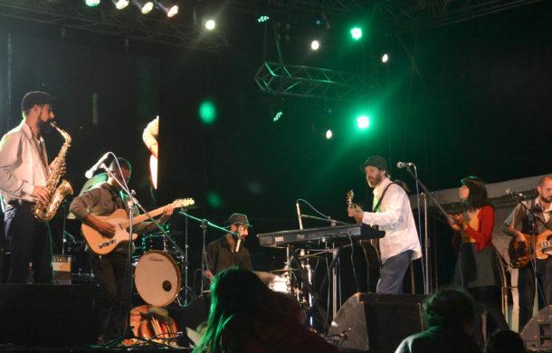 Sobra Milonga durante su presenación en 9 de Julio