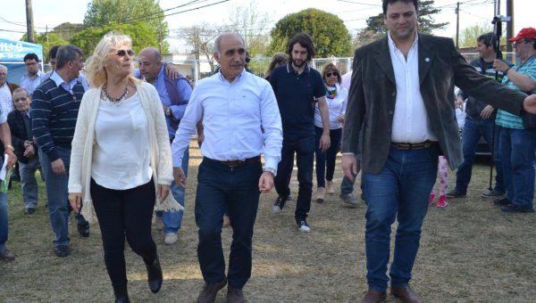 Vadillo y Barroso al momento de recibir a Salvador