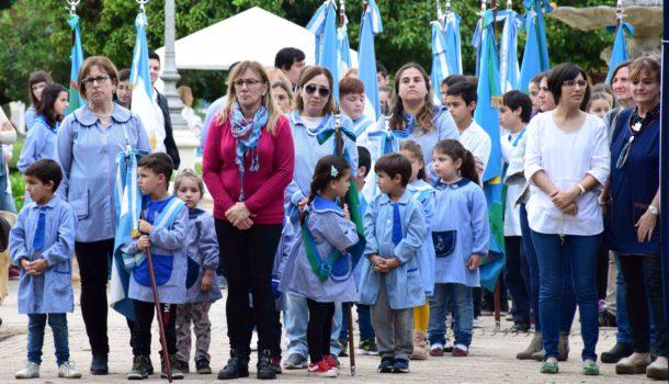 Abanderados y escoltas durante la apertura de la Feria