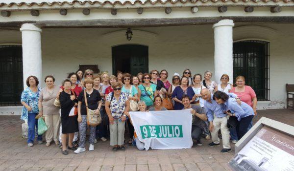 Contingente de Adultos Mayores que viajo a San antonio de Areco