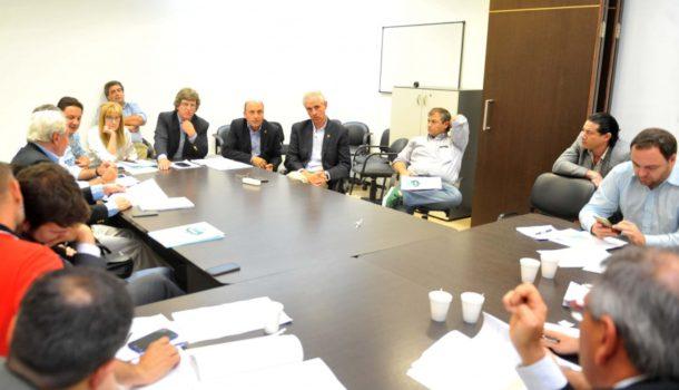 De Velazco, Salaverri y Citaddini durante la reunion en Diputados el martes
