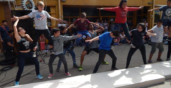 Demostracion de circo en el cierre