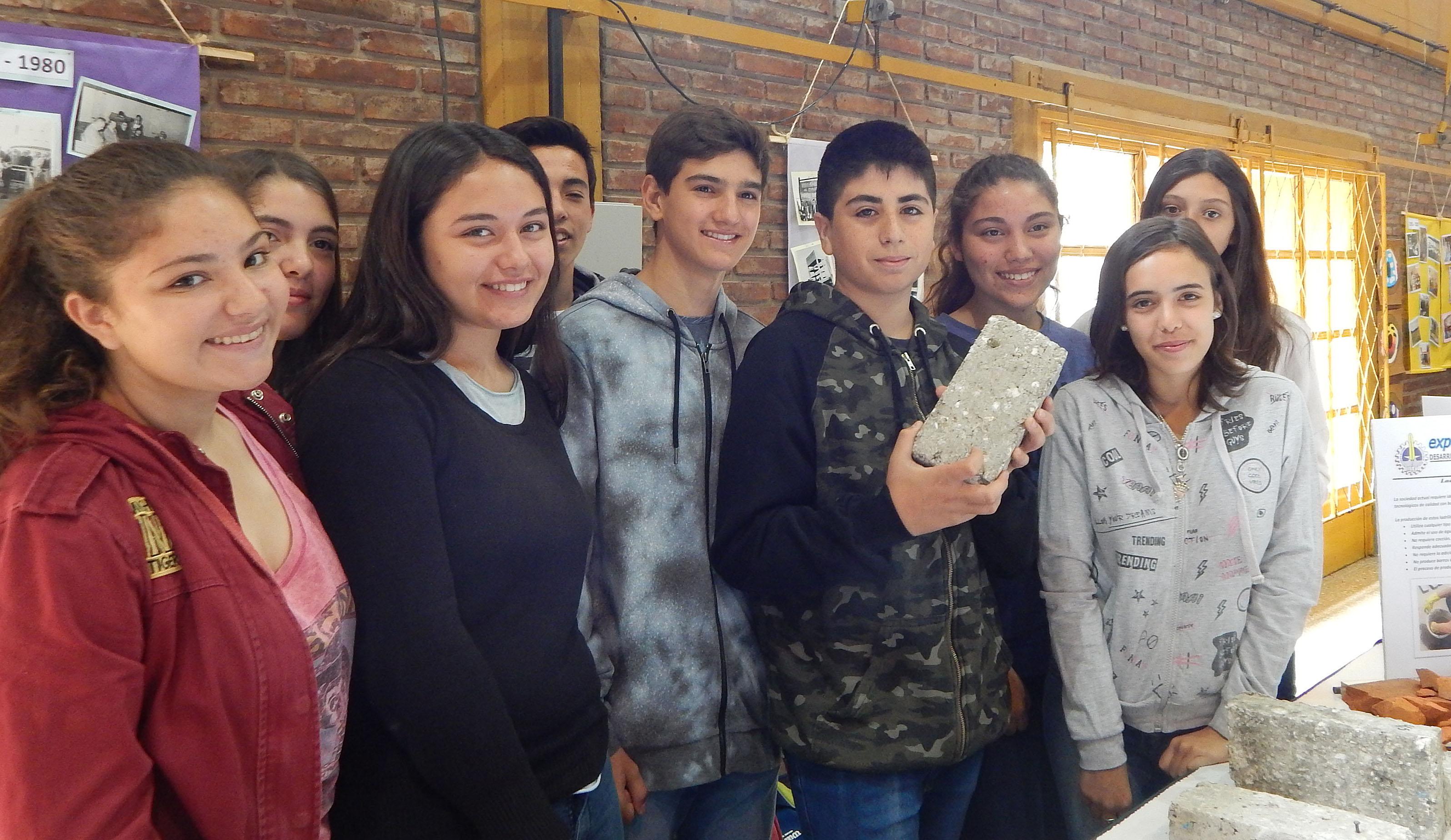 Expo Técnica 2017: Alumnos de la Escuela Técnica innovaron en ladrillos de papel