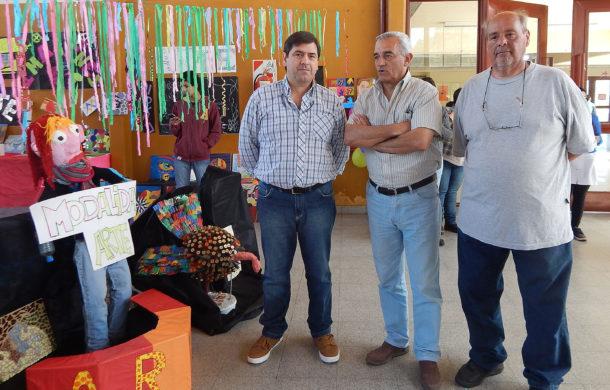 Jose Moreno junto al Sub Secretario de Seguridad, Jorge Zotti y el Coordinador de Defensa Civil, Humberto Clerico