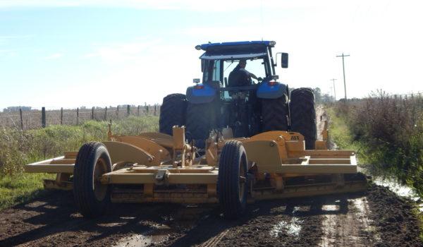 Municipalidad intensifica la reparacion de caminos rurales