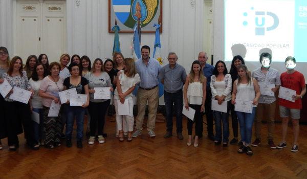 Alumnos que recibieron su certificado