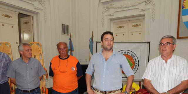 Mariano Barroso dirigiendose a los Voluntarios incorporados en DC