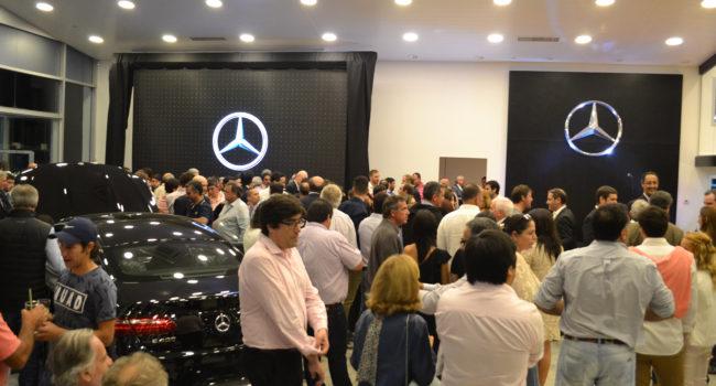 Clientes y amigos de la marca alemana acompañaron la presentación del concesionario en 9 de Julio