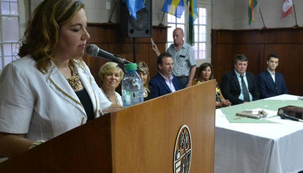 Marisa Poratti dejando sus palabras ante los presentes
