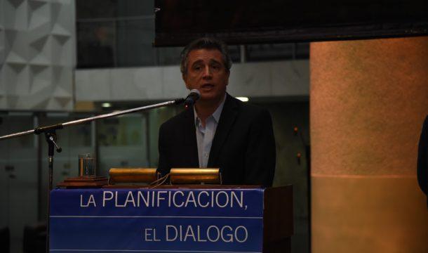 Ministro de Agro Industria Luis M Etchevehere durante el cocktel de las cuatro cadenas