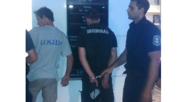 Momento en que los delicuentes son detenidos