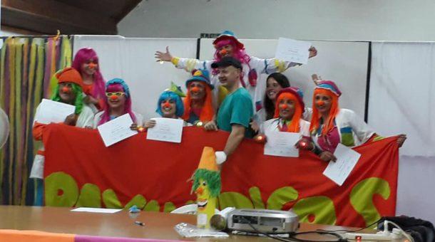 Pelucchi junto a un grupo de Payamedicos durante la jornada de capacitación en 9 de Julio