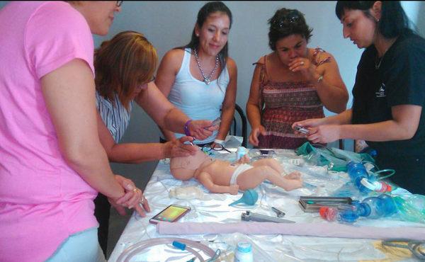 Personal de enfermeria durante la jornada realizada este sabado en Circulo Medico