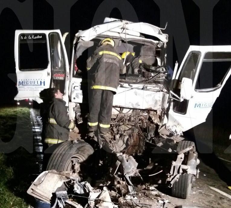 Impactante accidente entre dos camiones en ruta  65 en cercanías de Corbett
