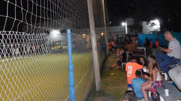 El publico acompaña cada una de las fechas del Baby Futbol del Club San Martín