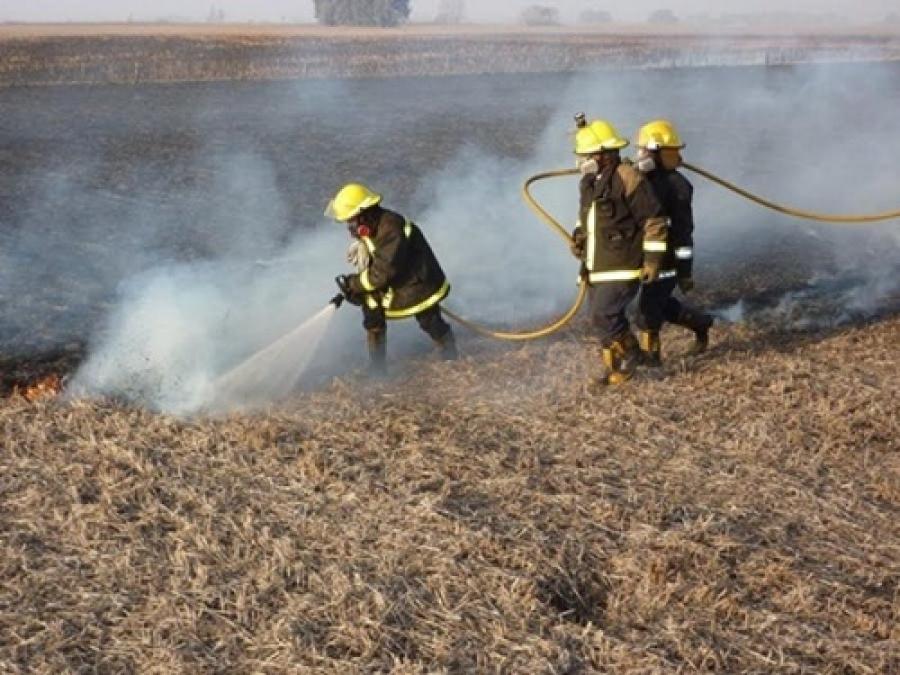 Ante el ciclo de cosecha fina, recomiendan prevenir incendios en cosechadoras y campos