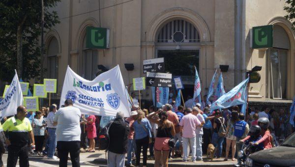 Instancia de la protesta bancaria en Chivilcoy