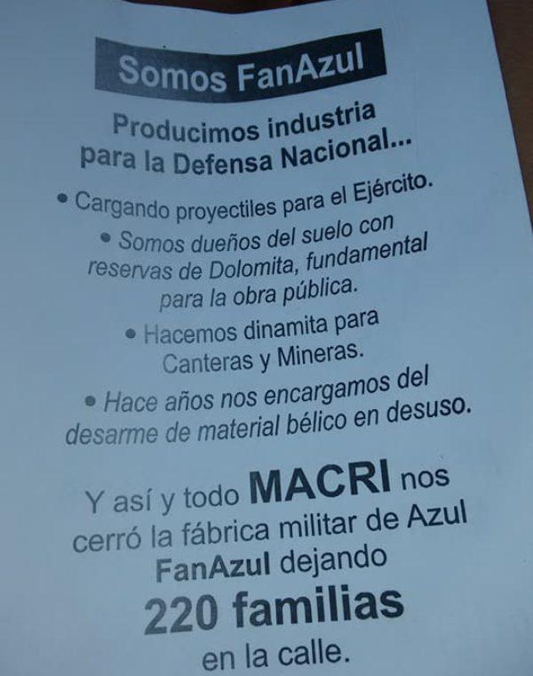Panfleto que entregan los empleados cesanteado de la fabrica militar