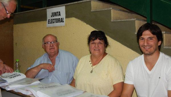 Carmen Castagnino, Victor Bordone y Alfredo Poggi, integrantes de la Junta Electoral
