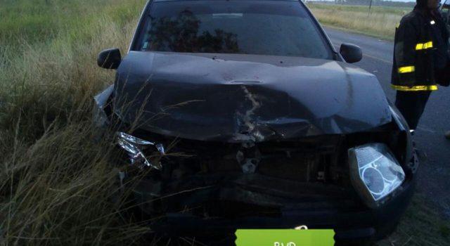 Vehiculo Duster protagonista del accidente en el Acceso a Dudignac – foto Bomberos Voluntarios Dudignac