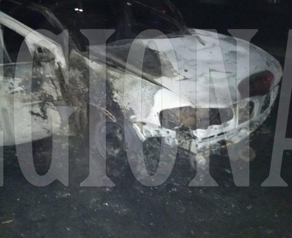 Vehiculo Gol Country que fue destruido por el fuego en ruta 65