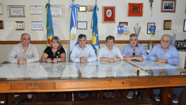Britos junto a integrantes del Gabinete municipal y del Sindicato