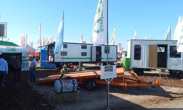 Rurales Alfa presento la nueva unidad Premium 9200 con paneles isotermicos producida en una asociacion con Casillas El Trigal