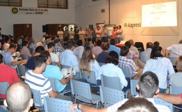 Mas de un centenar de personas acudieron a la charla de la Regional Aapresid  9 de Julio
